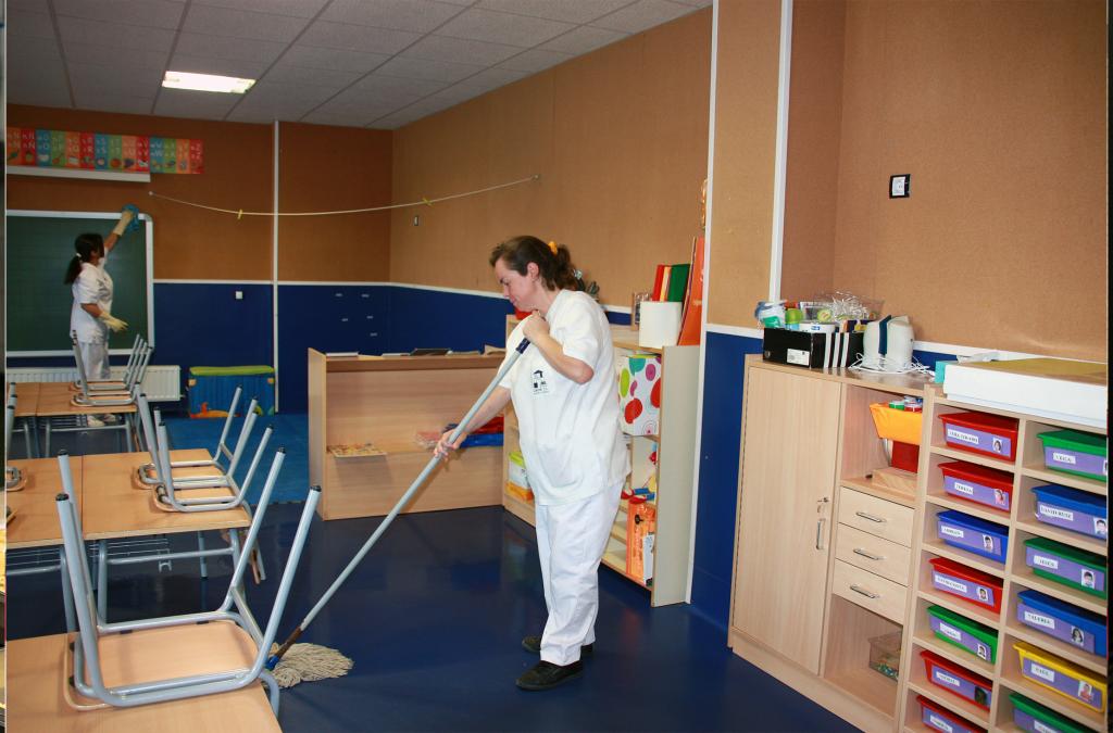 Limpieza de Interiores: colegios, pabellones deportivos, centros culturales